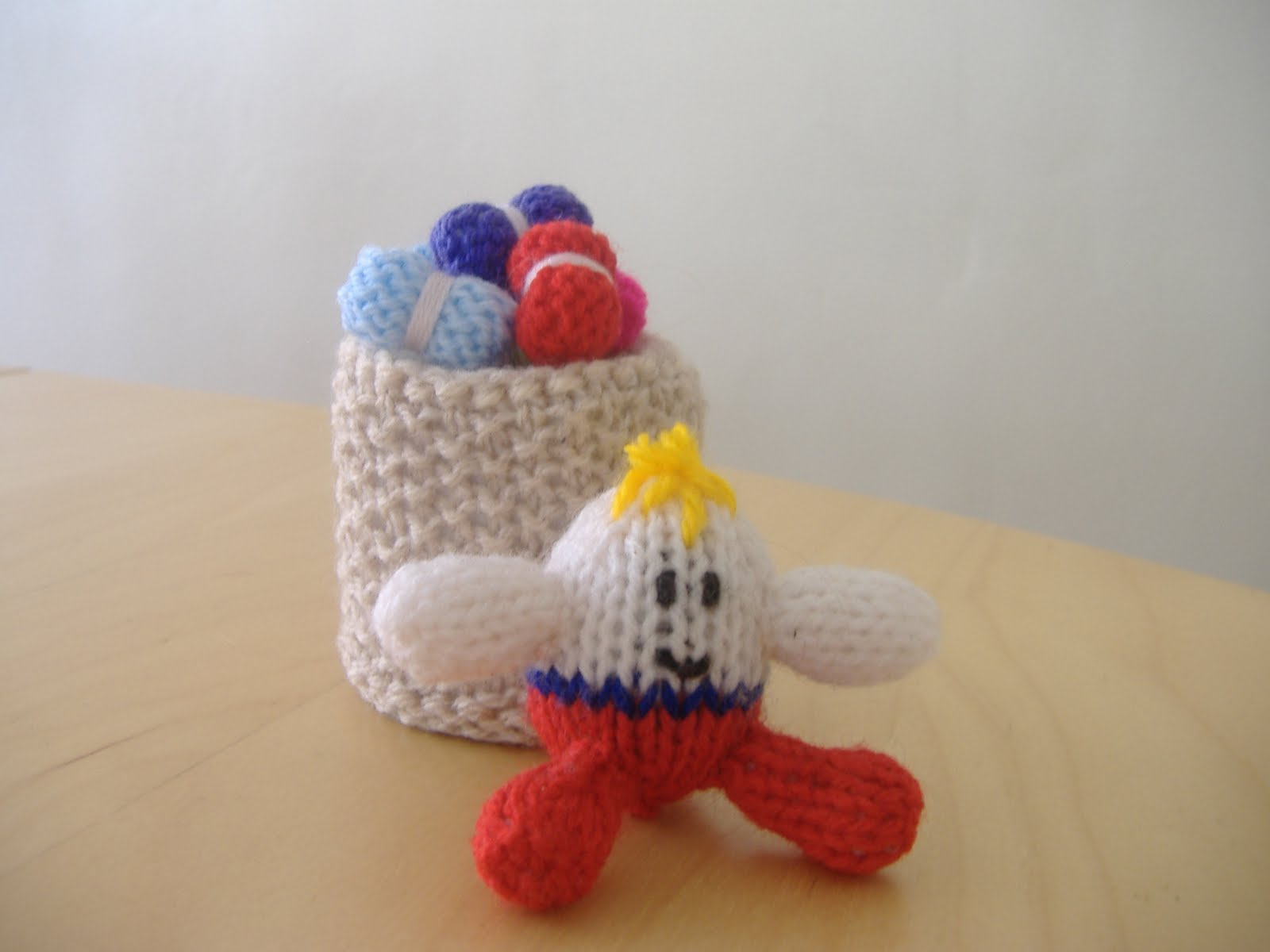Knitting Pattern For Humpty Dumpty : A little bit of everything: Tiny Knitted Humpty Dumpty and ...
