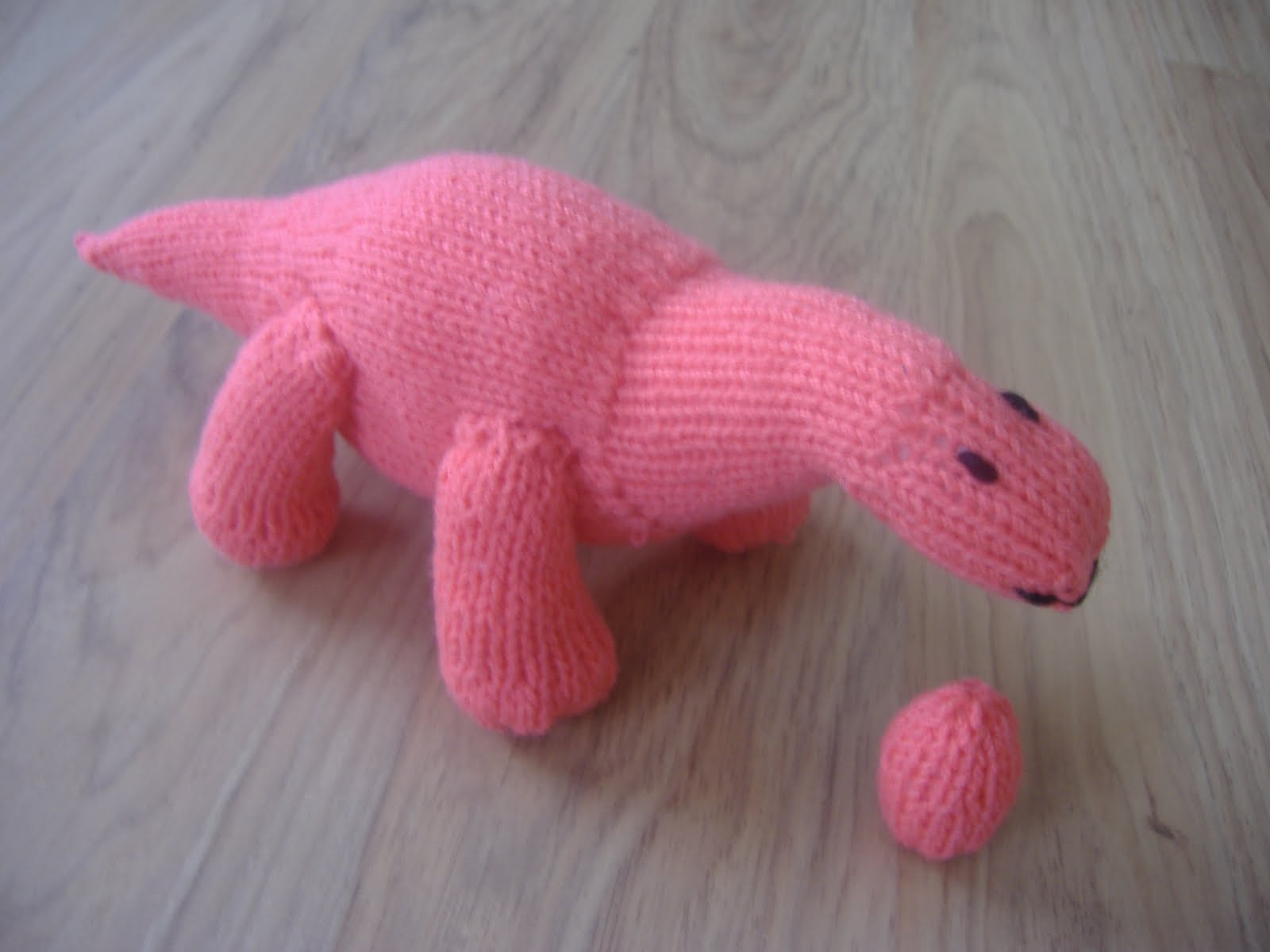 Dinosaur Scarf Knitting Pattern : A little bit of everything: August 2010