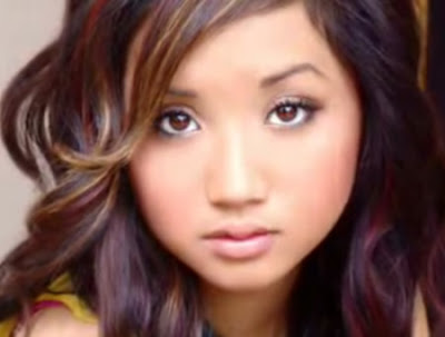 brenda song wallpaper. ||Brenda song skirt :: renda