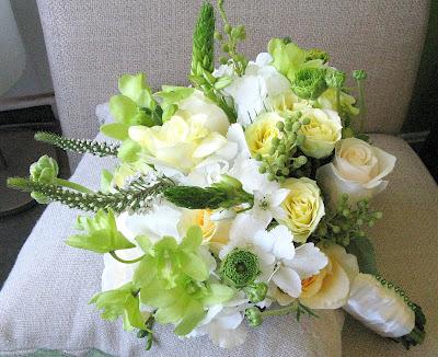 Sweet spring green April bridal bouquet 39Versilia 39 and 39Creme de la creme 39