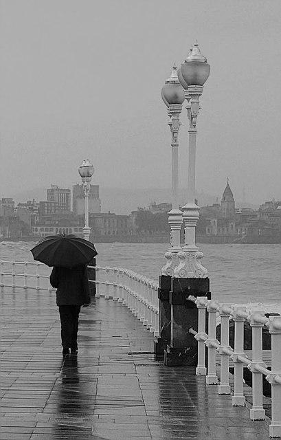 Llueve sobre mojado~
