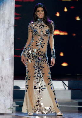 2006  Picture Singapore Universe on Miss Universe 2006 Evening Gown