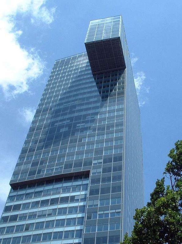 [Strange_Buildings_42.jpg]