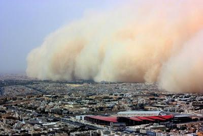 http://4.bp.blogspot.com/_Fzq94YVbHHM/SbkhLrPmOVI/AAAAAAAAaK0/lCAjsxDr9Tg/s400/sandstorm_03.jpg