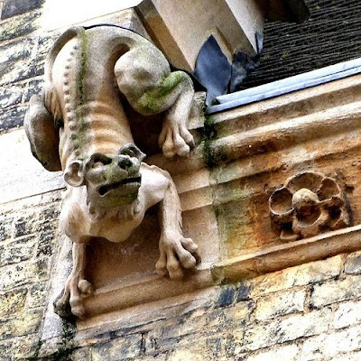 Beautiful Sculpting Art On Buildings