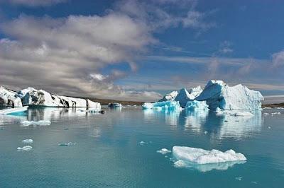 Fine looking Icebergs