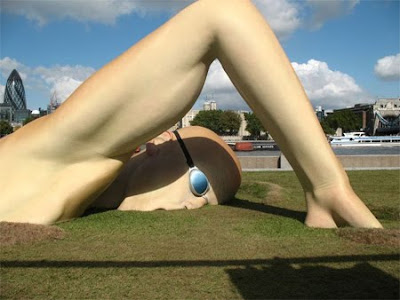 12 Giant Sculptures From Around the World