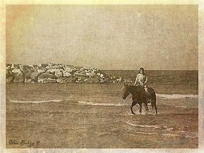 девочка и лошадь, старинная фотография