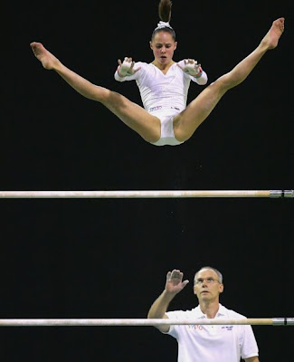 funny pictures: Pool Gymnastics Girls