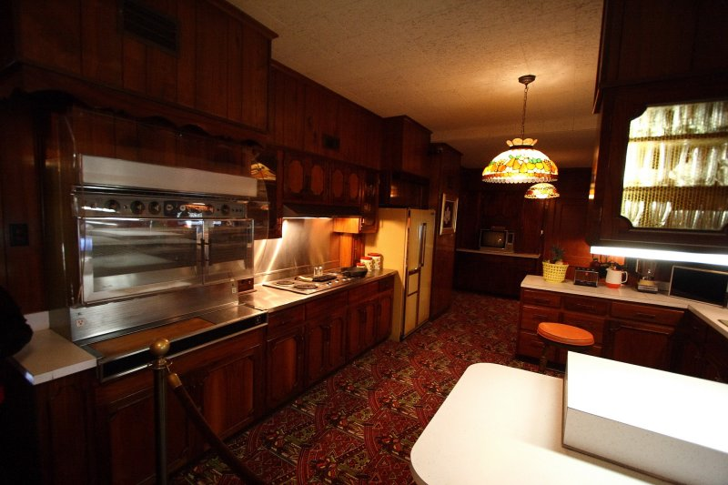 Displaying (18) Gallery Images For Graceland Kitchen...