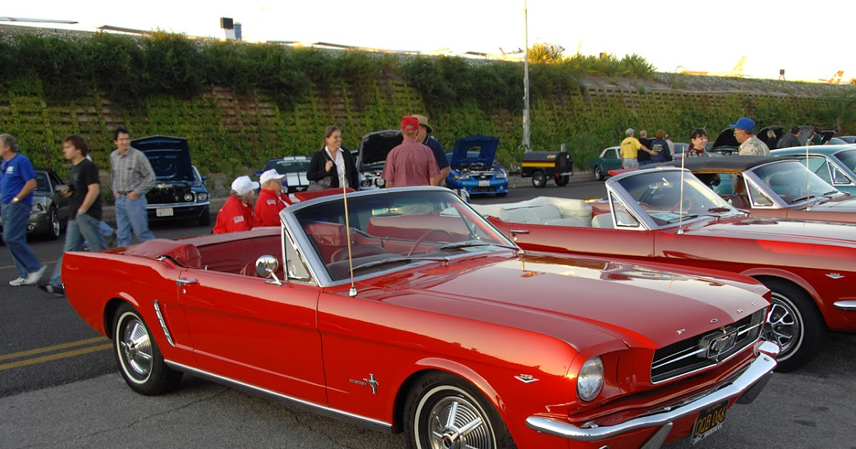 we love ford 39 s past present and future 45 years of the ford mustang in pictures. Black Bedroom Furniture Sets. Home Design Ideas