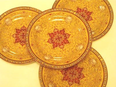 Mehndi Plates Images : Trends of mehndi events: plates for decoration