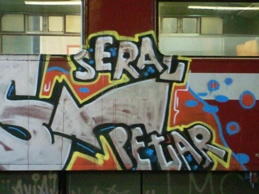 tlp seral petar graffiti on trains. Black Bedroom Furniture Sets. Home Design Ideas