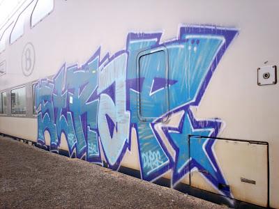 strap english graffiti