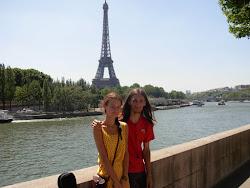 Tour Eiffel avec une fille