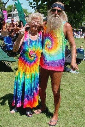 http://4.bp.blogspot.com/_G5AMU7UnP9c/TFga0r3XEhI/AAAAAAAAAXM/aMeyl_VZRTo/s1600/old+hippies.jpg