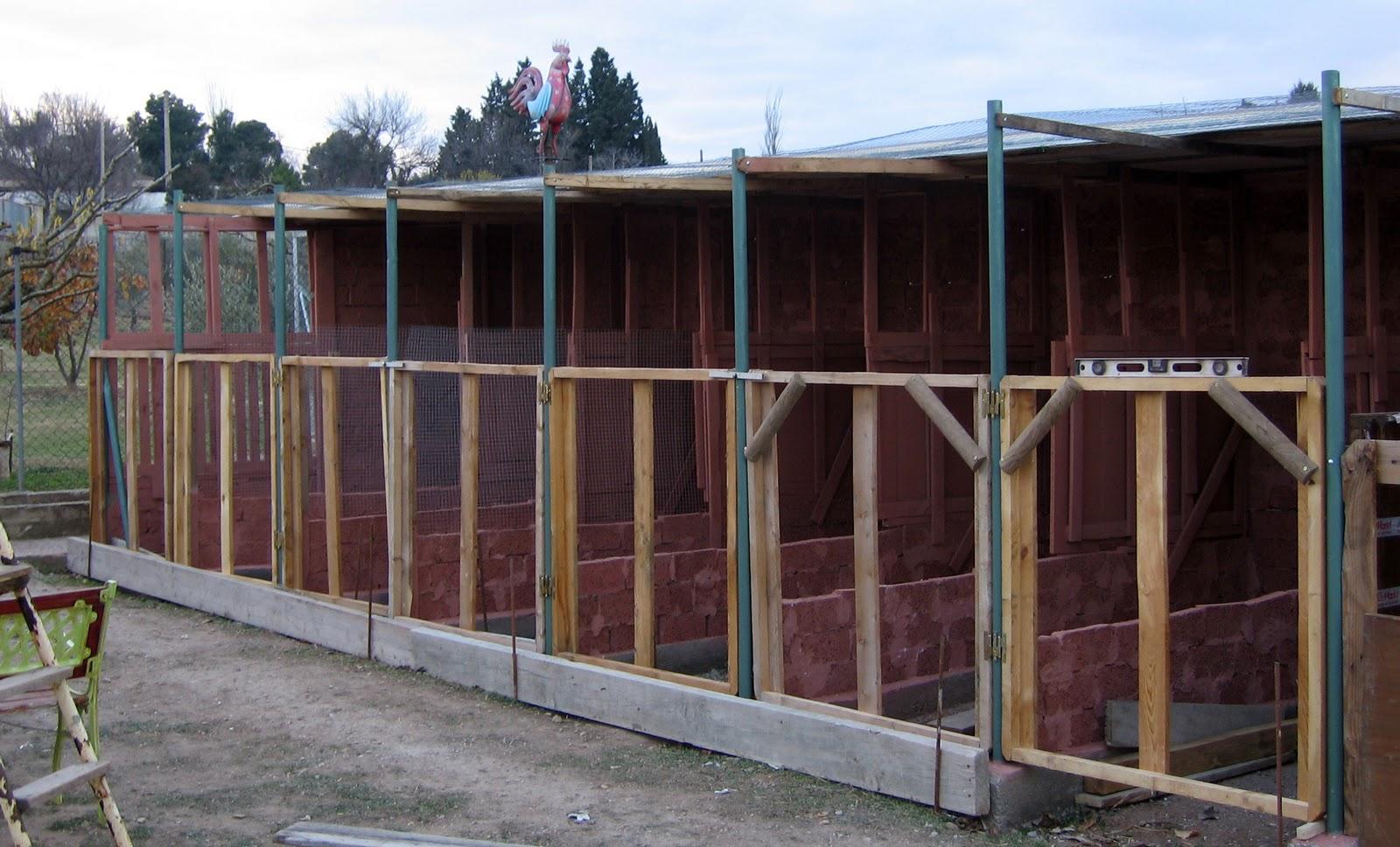 Villarochel el rincon magico gallineros reciclados paso a for Construccion de piletas paso a paso