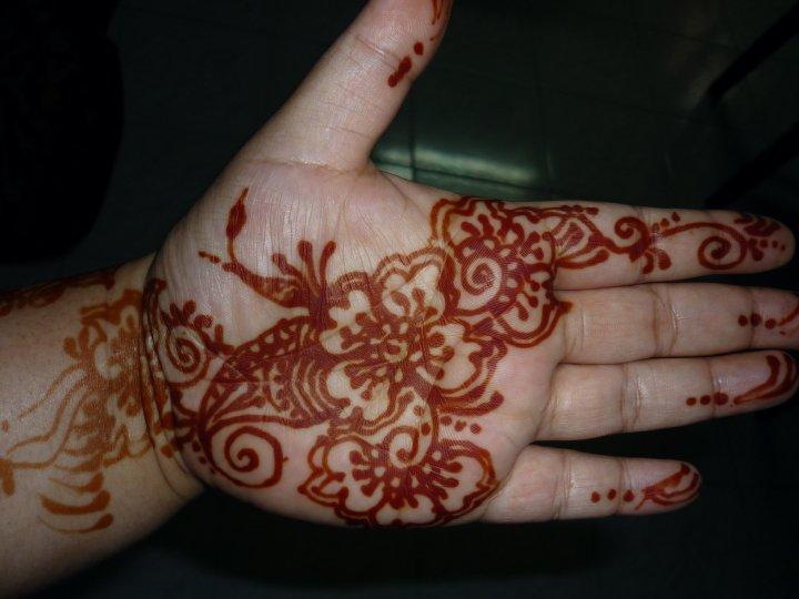 Inai Jenama Party Mehndi Red : Gambar kek pengantin cake ideas and designs