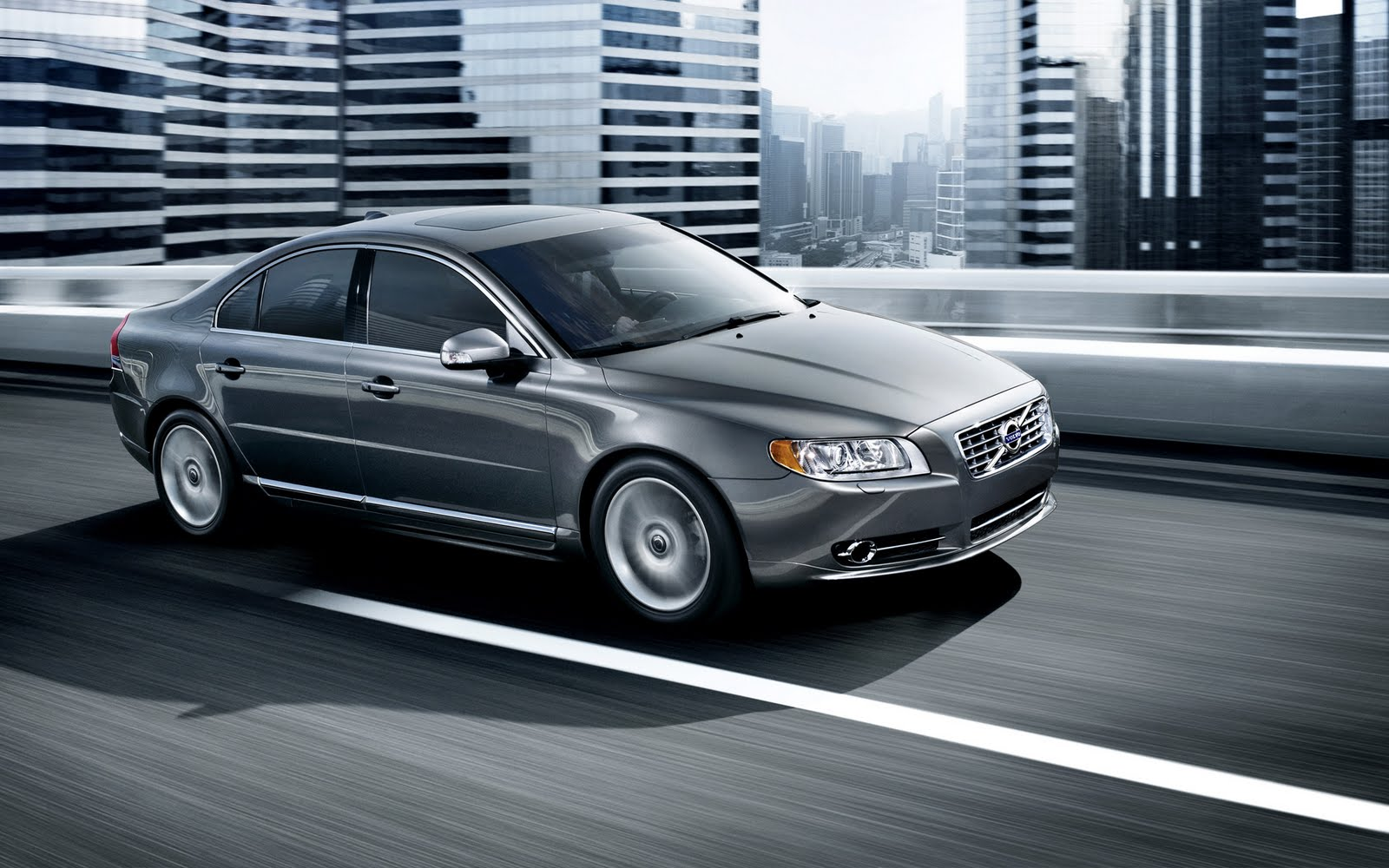 Volvo S60: Putting ACC in standby mode