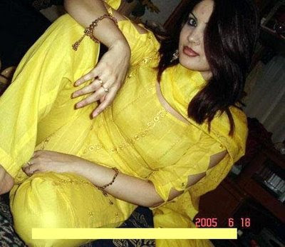 hot desi indian college girls enjoy party show her slim body