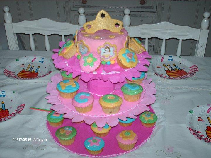 Postrecitos.net: Torta y ponquecitos Princesas Disney