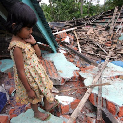 Indonesia hit again by a magnitude 7.6 earthquake