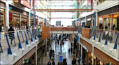 La galerie Auchan à Luxembourg (Kirchberg), l'un des complexes commerciaux les plus fréquentés du pays. Document Auchan.