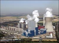 La centrale nucléaire allemande de Niederaussem. Document Industcards.