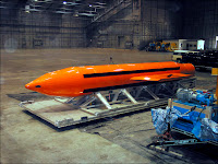 La bombe thermobarique testée par l'USAF en 2003. Document DoD.