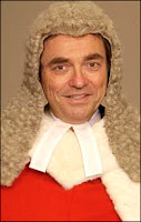 Le juge Michael Burton de la High Court de Londres.
