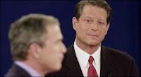 Al Gore contre Bush Jr., un regard qui en dit long.