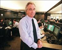 Bernard Madoff, président de Madoff Investment Securities photographié en 1999 à New York. Document Photo/The New York Times, Ruby Washington.