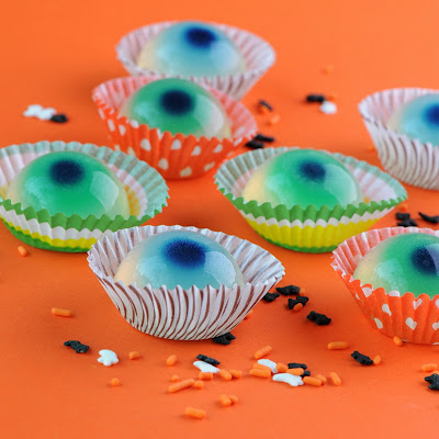 food gifts for halloween: jellied eyeballs (non-alcoholic)
