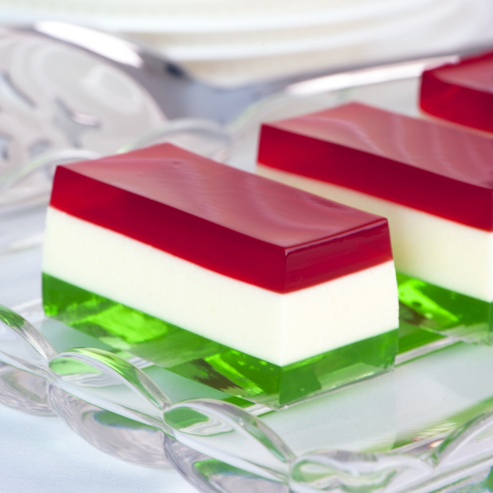 Jelly Shot Recipes | Jelly Shot Test Kitchen: Spiked Ribbon Salad