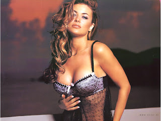 OHIO BORN SEXY CELEBRITY CARMEN ELECTRA