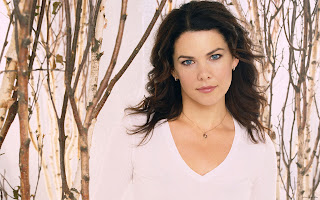 Hot Singer Lauren Graham Photo Gallery