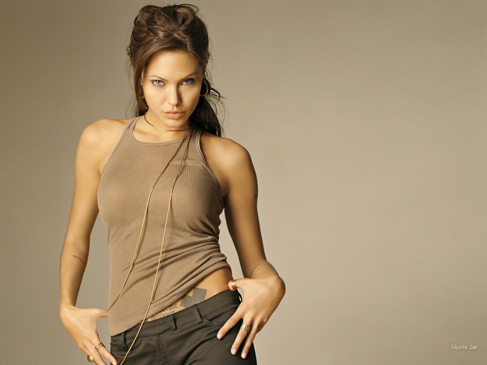 http://4.bp.blogspot.com/_GCAuqodmOE4/TOlm77n07TI/AAAAAAAAE7Y/ZsfP5MPqAmw/s1600/Angelina+Jolie_4.jpg