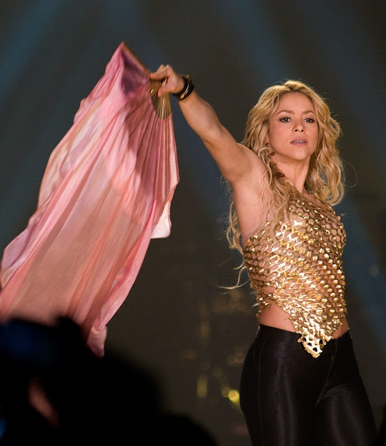 Shakira Performing Live in Barcelona, Spain Pictures