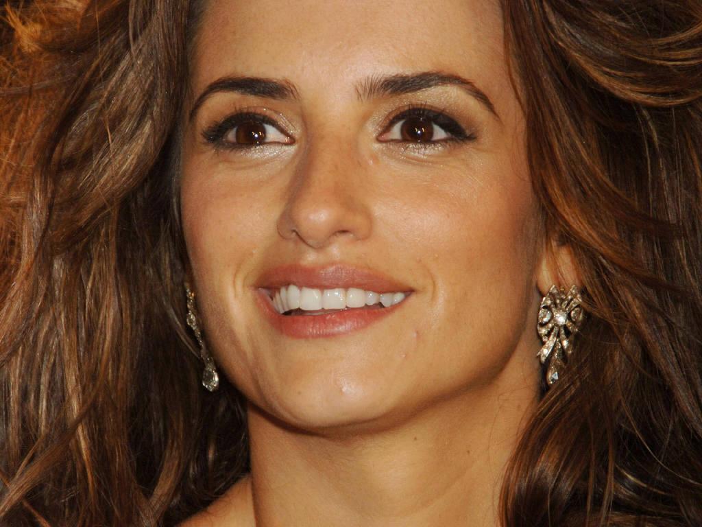 http://4.bp.blogspot.com/_GCAuqodmOE4/TQ-vBazR8kI/AAAAAAAAFto/bShspQoaN1g/s1600/Penelope-Cruz-20.JPG