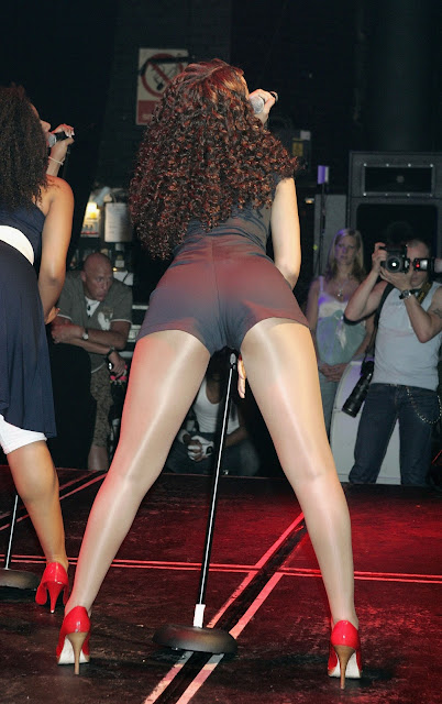 Sexy Singer Rihanna Hot Unseen Pics