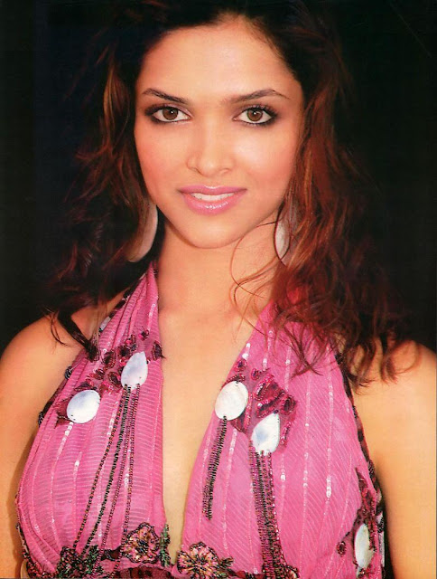 Most Beautiful Indian Women Photos