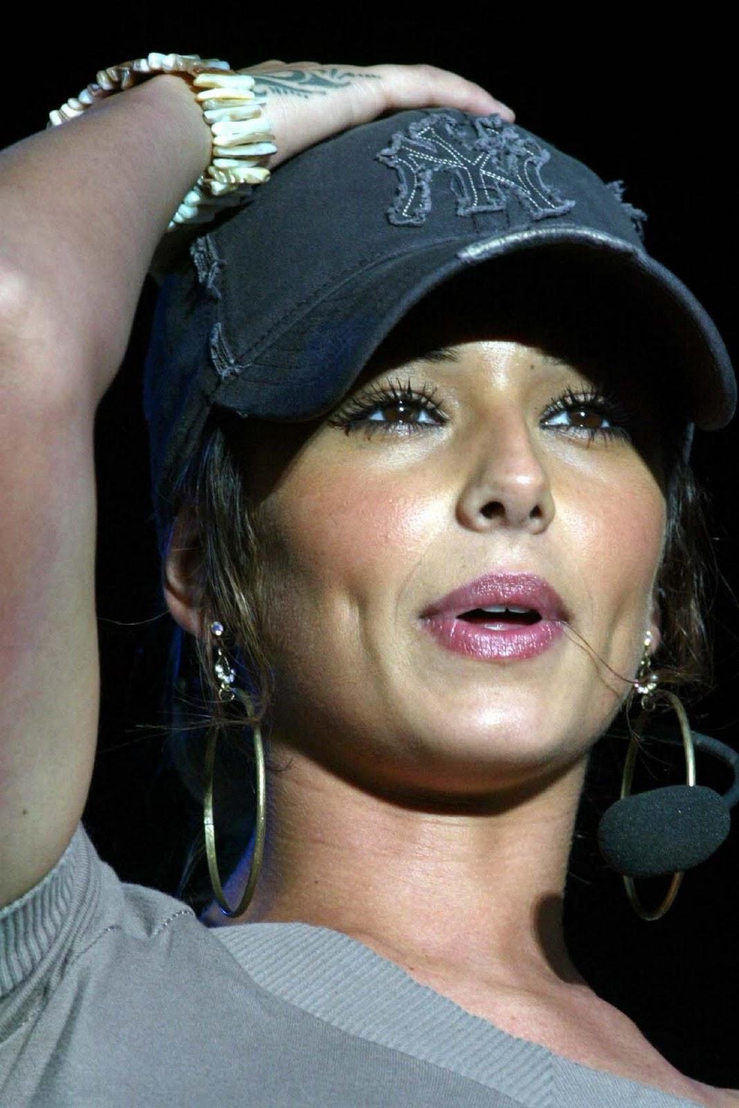 http://4.bp.blogspot.com/_GCAuqodmOE4/TT5PDjhBGuI/AAAAAAAAHg8/T6_s92LlUOM/s1600/Cheryl+Tweedy+Cole+HQ+Picture+Gallery+%252811%2529.jpg