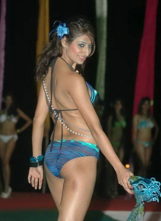 Hot Indian Models Bikini Bash Pictures 2011