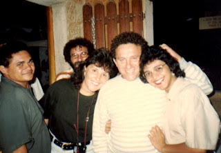 http://4.bp.blogspot.com/_GCE5KayFtPA/RkfOXF1KqoI/AAAAAAAAAHc/F3mEmygn_qI/s400/Crispiniano+e+Vital+Farias+em+minha+casa.jpg