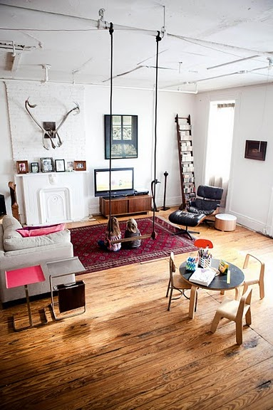 Trapeze in living room rosalilium for Living room brooklyn