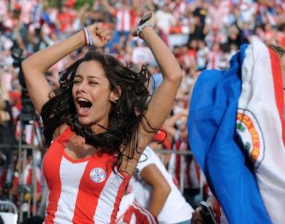 Suporter Terpanas Tim Paraguay Larissa Riquelme