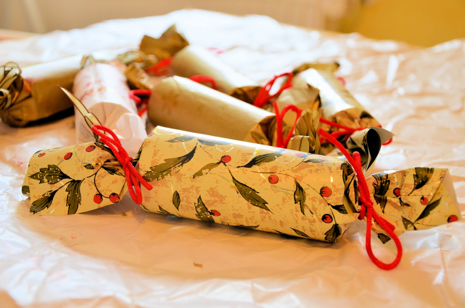 No wooden spoons christmas crackers diy solutioingenieria Choice Image