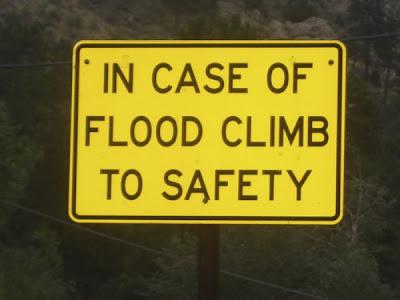 http://4.bp.blogspot.com/_GEzD0cu4XrA/TAaq-eYu45I/AAAAAAAAAU4/ltGx1PhFPYQ/s400/funny-street-signs-25.jpg