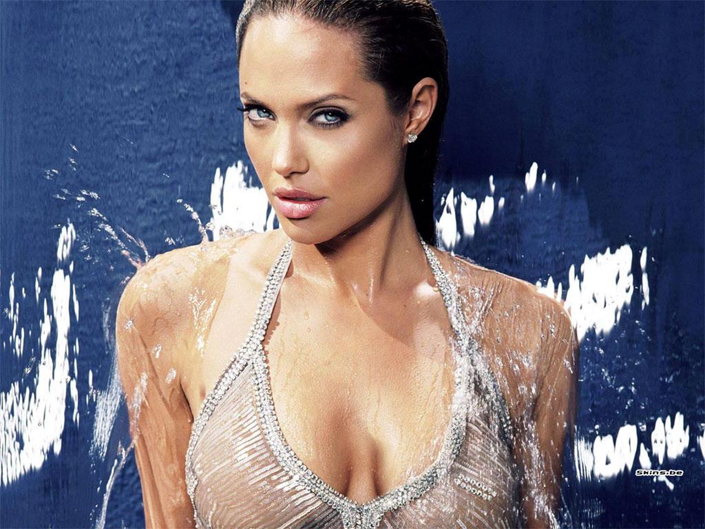 http://4.bp.blogspot.com/_GEzwhnLdA-w/SwTOUBeliGI/AAAAAAAAACg/1xtLROakOeE/s1600/Angelina06.jpg