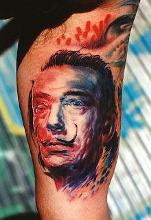 tatuador bom o estilo de sombras realistas